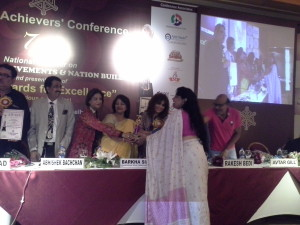 Mrs Neera Sareen was honoured to give All India Achievers Award 2014 to Her Highness Jannice Darbari